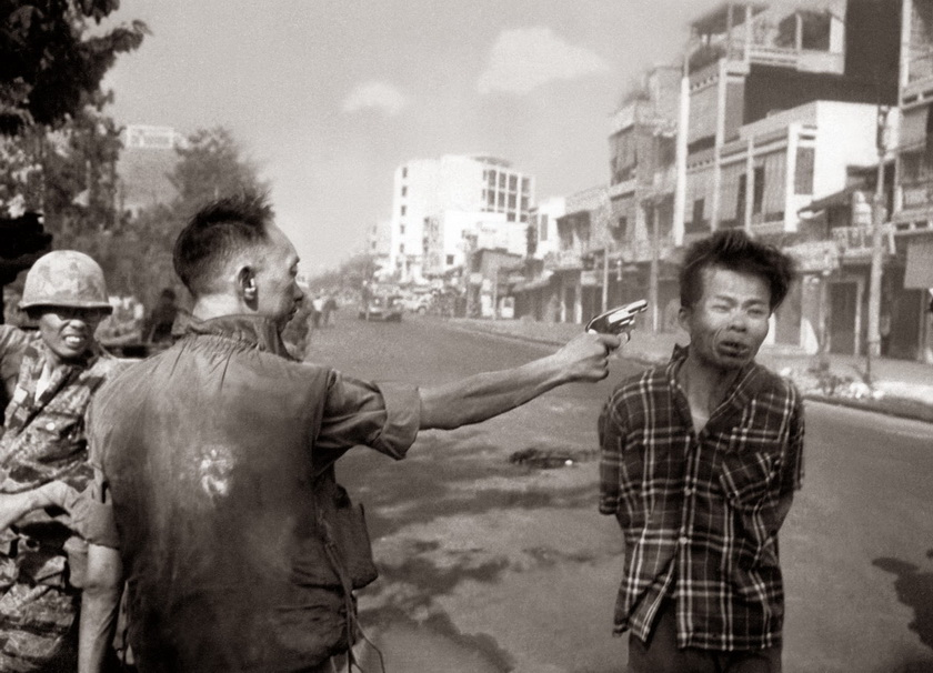Saigon Execution Murder of a Vietcong by Saigon Police Chief, 1968_调整大小