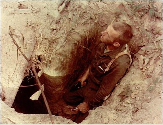 American_tunnel_rat_during_Operation_Crimp,_January_1966